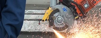 Mitre saw for tracks